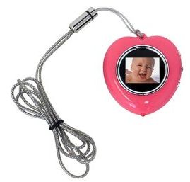heatshapednec Heart Shaped Digital Picture Frame Necklace, le tue foto al collo