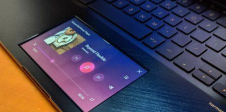 ASUS ZenBook Pro sostituisce il touchpad con uno schermo tattile