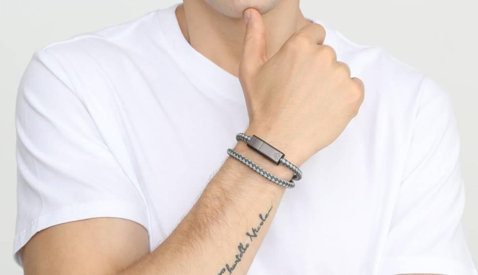 Nils 2.0: sembra un braccialetto ma è un cavo per la ricarica dello smartphone